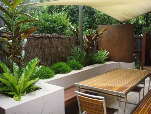 Dirty girl designs residential landscape design garden for Landscaping a courtyard pictures