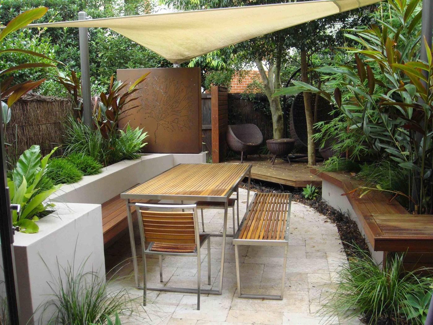 Residential Inner City Landscape Design For Entertaining Courtyard